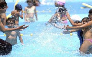 """Con la """"Fiesta del Agua"""", cierran la temporada de verano…"""