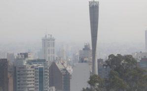 Por el humo del Amazonas recomiendan permanecer en espacios cerrados