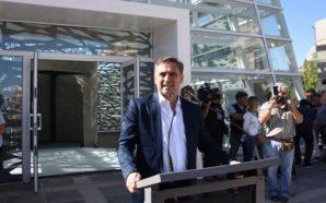 Mestre inauguró un nuevo espacio en Plaza España