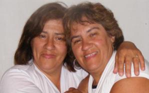 Sospechaba que tenía una gemela y la vio 50 años…