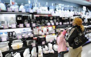 Fernández anuncia líneas de financiamiento para empresas y compra de…