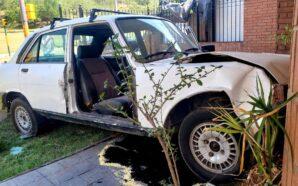 Córdoba: Auto sin frenos impactó contra una casa en el…