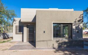 Villa Santa Rosa: entregaron dos viviendas del Plan ORVIM 1