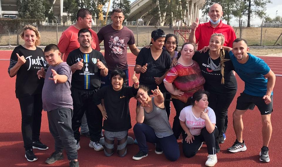 Jóvenes de Río Primero participaron de un encuentro de deporte…